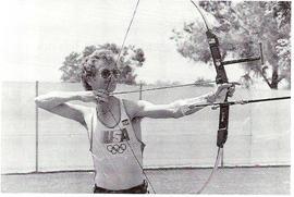 Darrel PaceIl piu forte arciere degli ultimi 20 anni,Campione Mondiale a 15 anni,Oro Olimpico a 16 e di nuovo Oro Olimpico dopo 8 anni.Piu volte Campione Mondiale Field e FITA. Il suo 1341 e stato Record Mondiale per lO anni